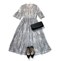 流行中のグレードレス♪結婚式で着るのはアリ?マナー&着こなし術