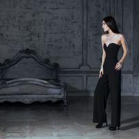新スタイルの『パンツドレス』でフォーマルシーンを極めよう