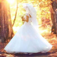 秋(9月・10月・11月)の結婚式!お呼ばれドレス&羽織ものコーデ集