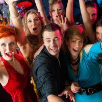 【20代に人気パーティドレスブランド15選】結婚式・二次会におすすめ