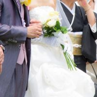 【元ミスジャパン監修】結婚式の親族服装マナー完全ガイド