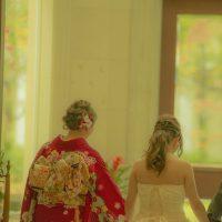 姉妹の結婚式、仲良し姉妹でもマナーは守って!服装やご祝儀事情をご紹介
