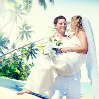 6月の結婚式 雨でも快適に過ごせるドレス選びのポイント教えます!