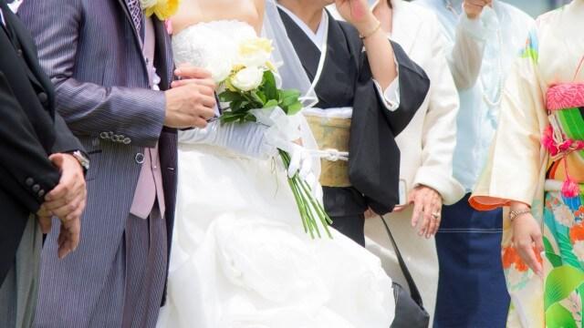 dfcbdcb23b4ed 結婚式親族:両親・兄弟姉妹・叔父叔母・いとこまで服装マナー&ドレスの ...