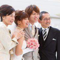 結婚式に最適な親族(女性)の装いとは?
