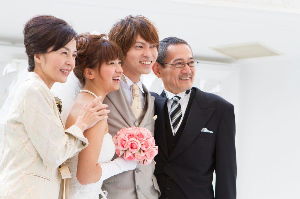 99ccb76e1479c 結婚式に最適な親族(女性)の装いとは?立場別に服装選びの不安を解決 ...