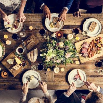 【レストランウエディング】ゲストの服装&基本マナーをご紹介