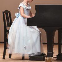 ピアノ発表会!失敗しない年代別-母親の服装-&マナー・コーデまで徹底解剖!