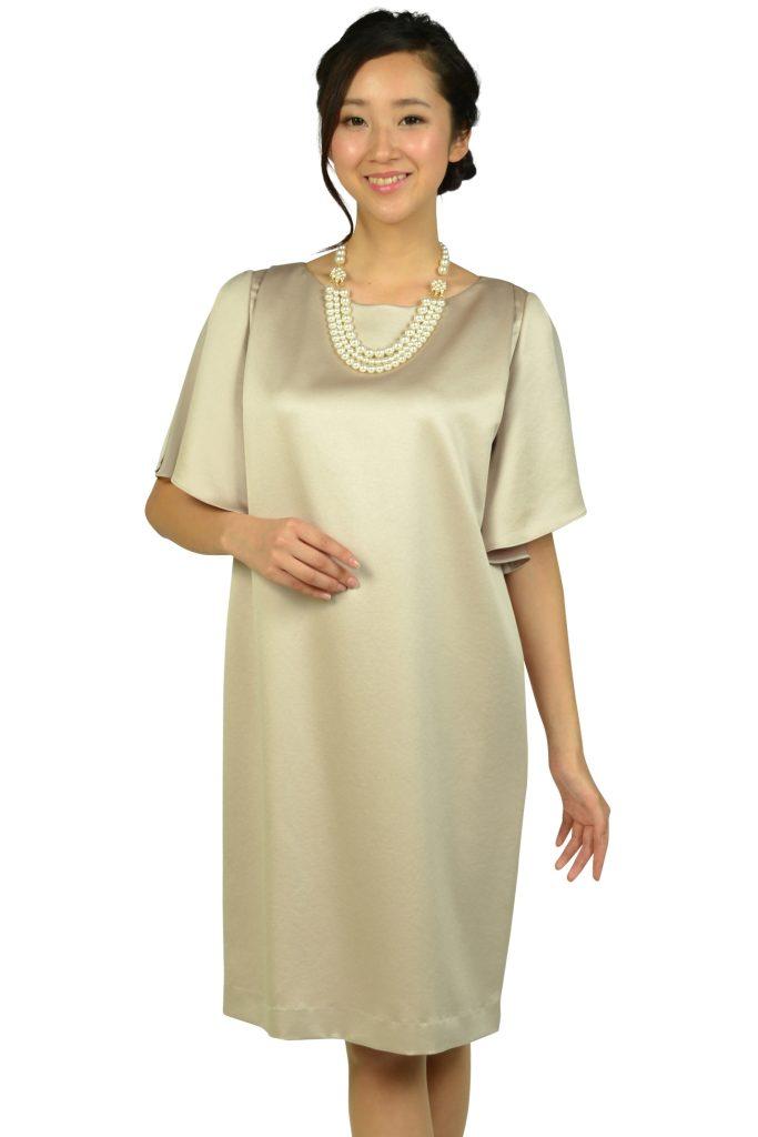 アンタイトル (UNTITLED) 光沢シャンパンベージュゆったりドレス
