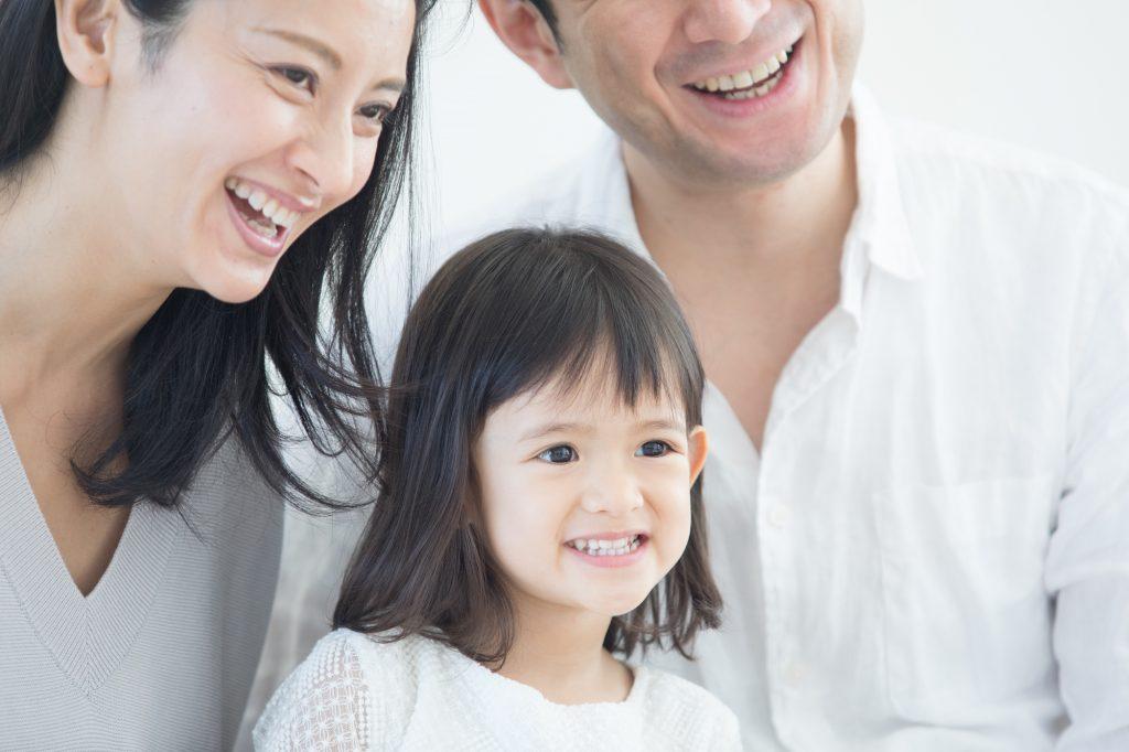 幸せをカタチにする家族写真の服装~撮影タイプ別コーディネートまとめ