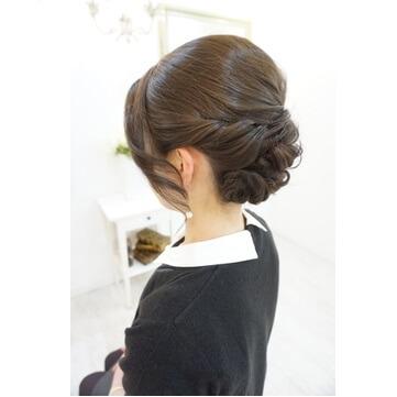 会社関係の結婚式での髪型、40代女性におすすめのヘアセット