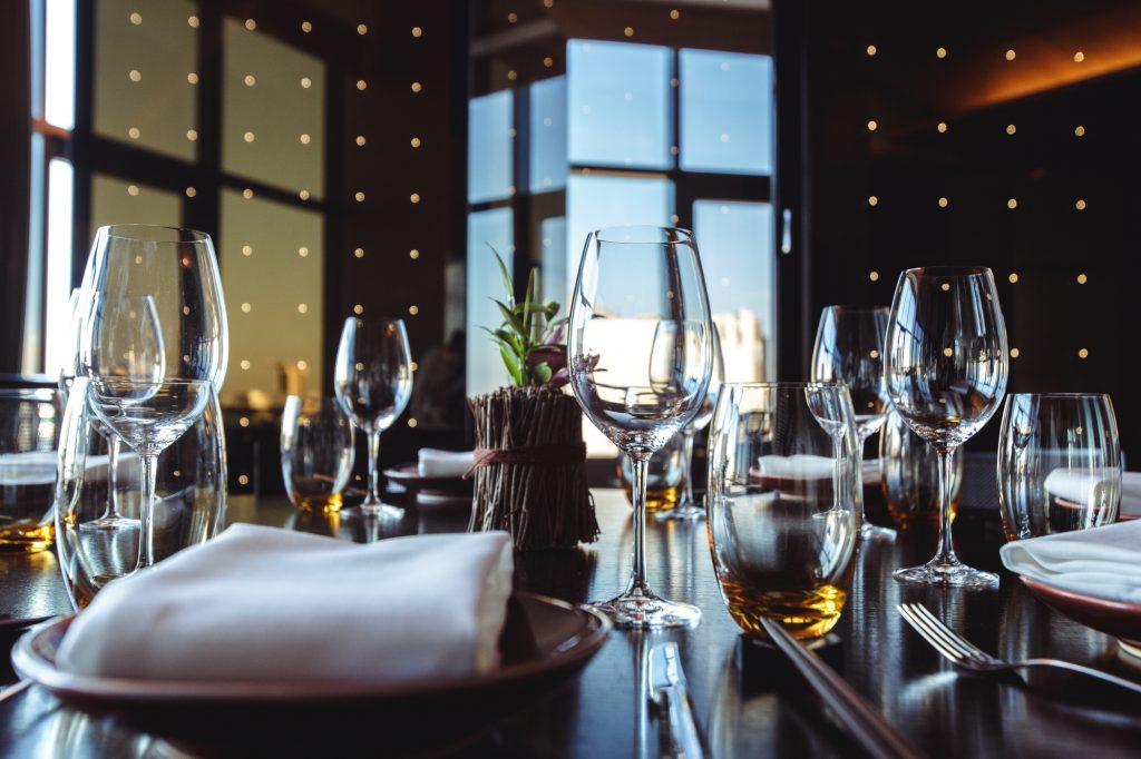 知っているとよりフレンチが楽しめる テーブルマナー