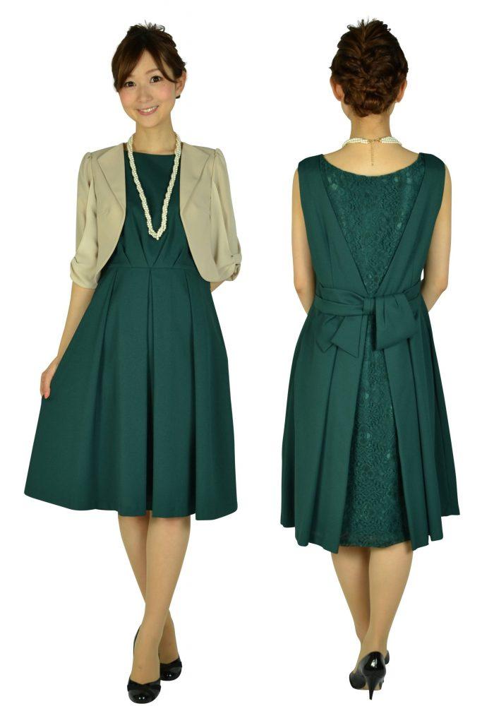 寒い冬の結婚式服装 カラー 素材 マナー コーデまで ドレス選び