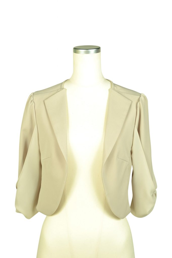 ミベル ミューズ (mebelle muse) 袖リボン5分袖ベージュジャケット