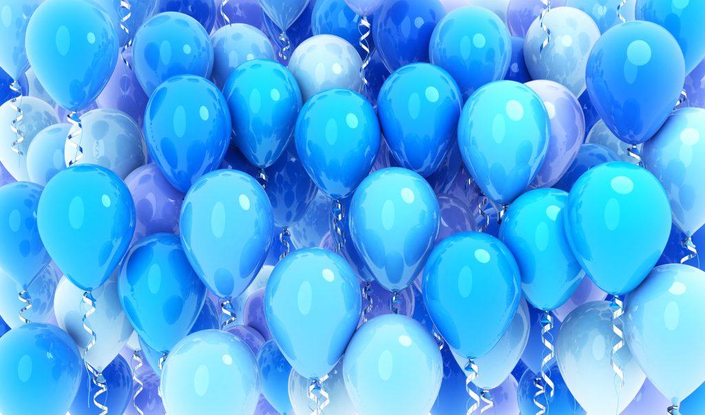 青は青でもいろんな青がある! こんな青ドレスはこんな印象