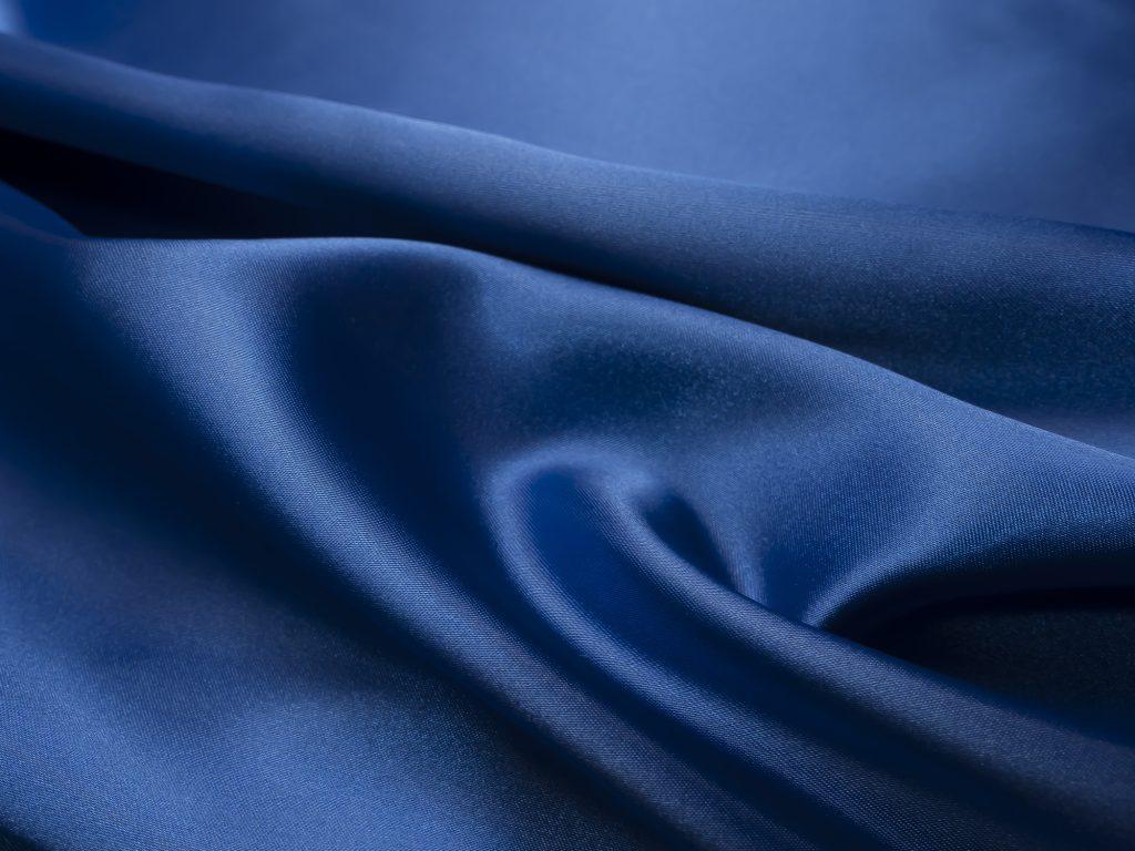 """""""青色""""の魅力を調査! ブルードレスを選ぶ人の意見"""