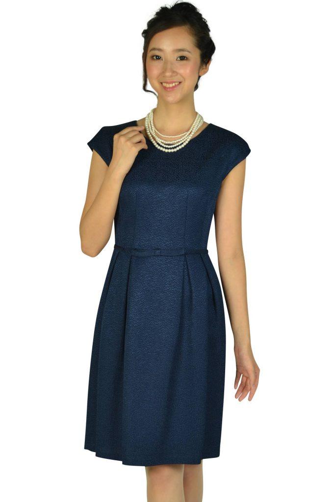 ストロベリーフィールズ(STRAWBERRY-FIELDS) ウエストリボン光沢ネイビードレス