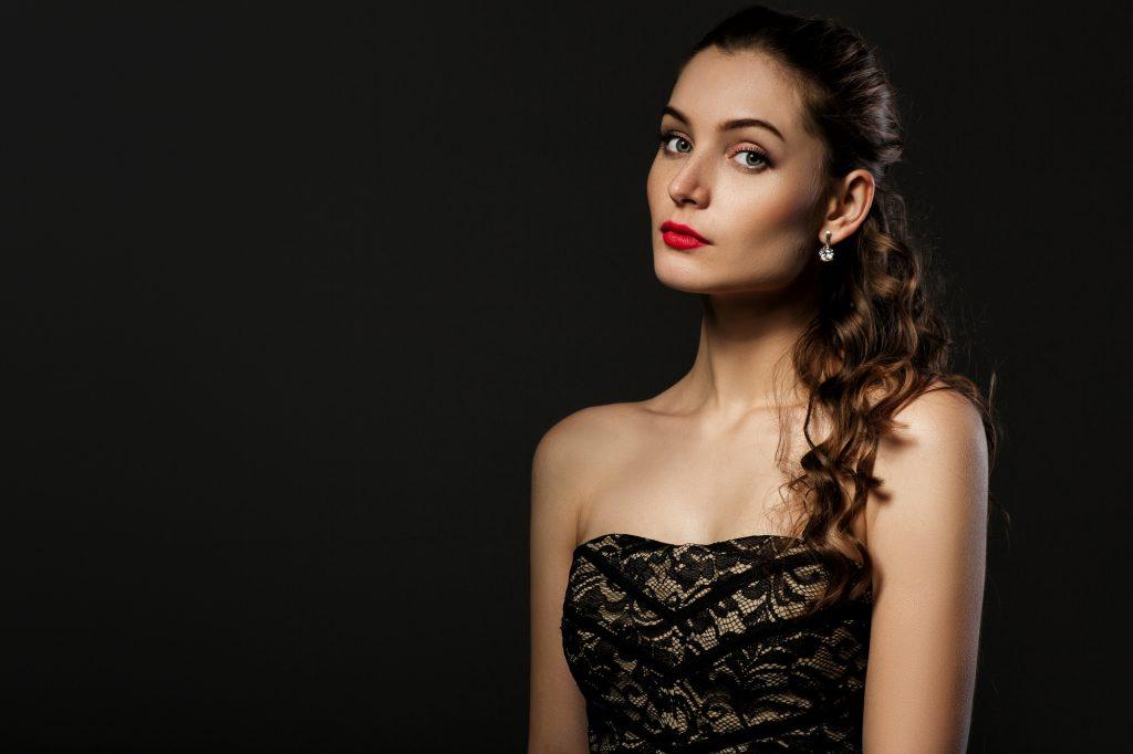リトルブラックドレス×赤リップ