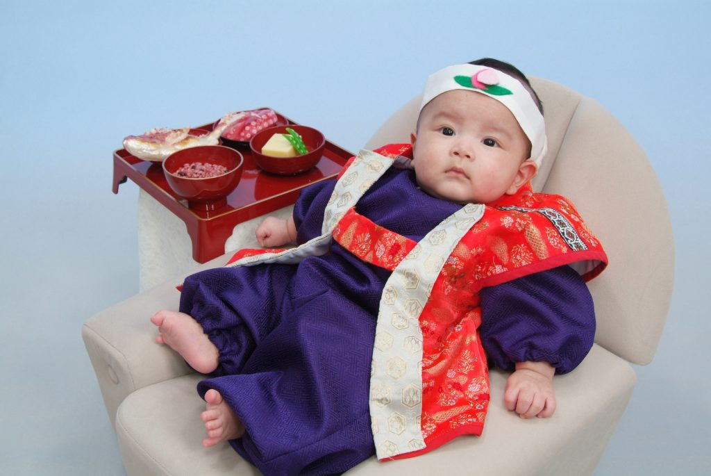 赤ちゃんのお食い初めの服装