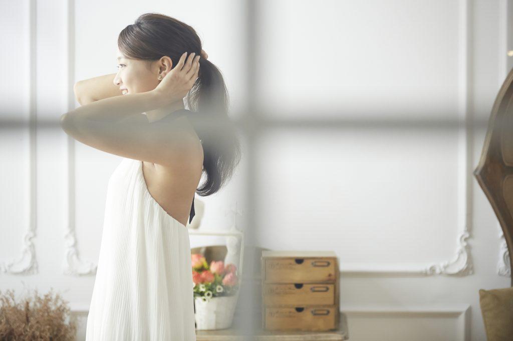 ミディアムの結婚式髪型人気NO.1 【アップヘアー】