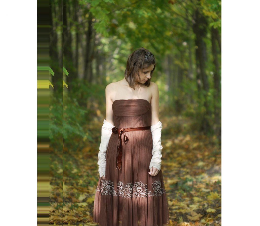 たまには落ち着いた色のドレスを…とお考えの方はぜひお試しあれ☆