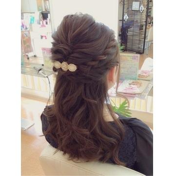 ミディアム】かわいい結婚式の髪型が必ず見つかる!ヘアアレンジ