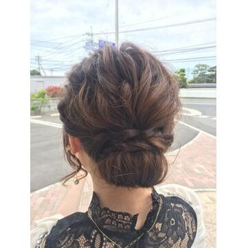 ミディアム かわいい結婚式の髪型が必ず見つかる ヘアアレンジ集
