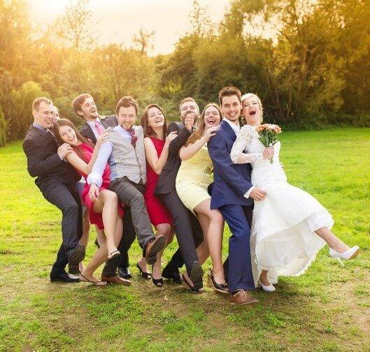 友達の結婚式のパーティードレス選び
