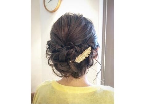結婚式にはやっぱりまとめ髪が素敵ですね