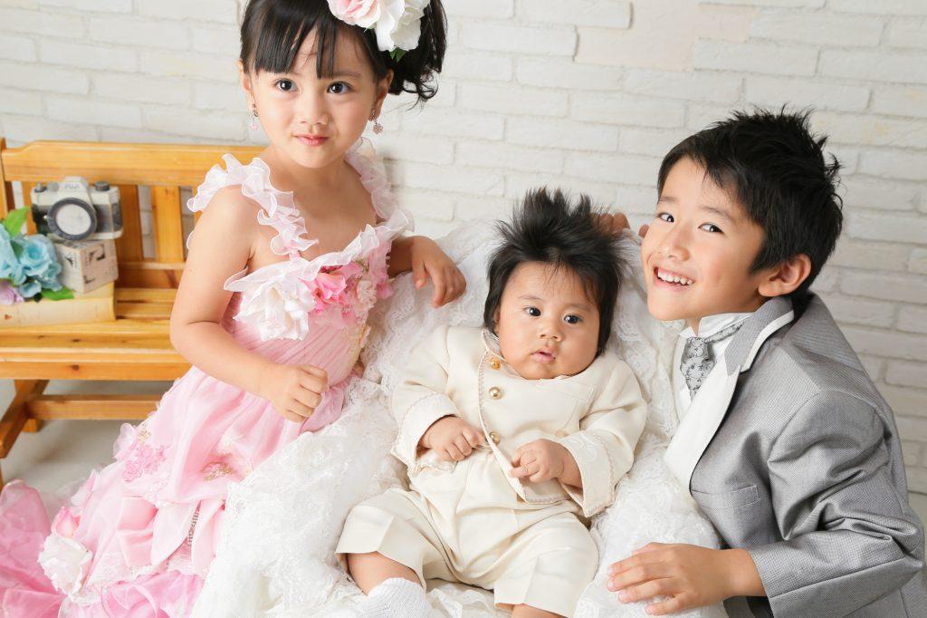 付き添いの兄弟、姉妹の服装