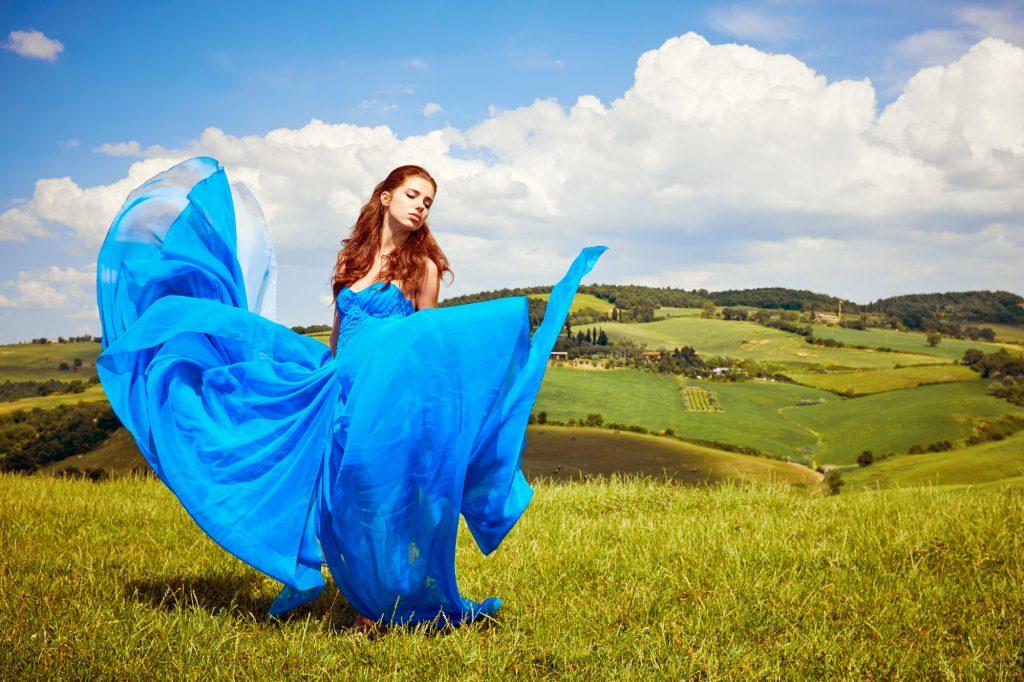 爽やかで上品な可愛らしさを演出ブルー、パープルカラー