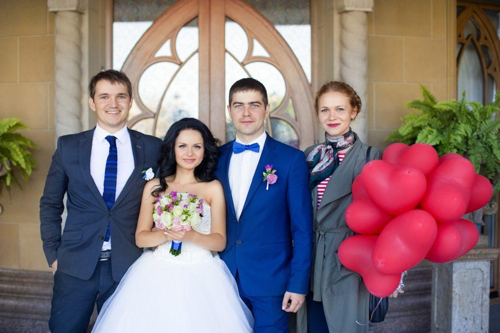 親族の結婚式に人気のボレロジャケット
