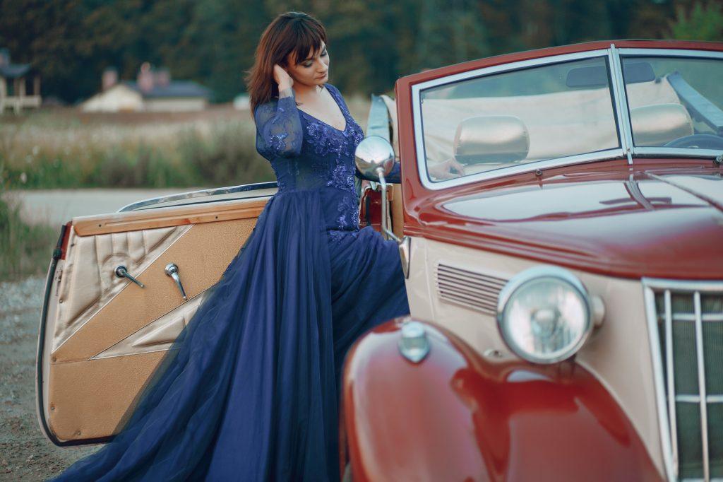 50代ミセスのドレスは上品なロング丈&ミディ丈がおすすめ!