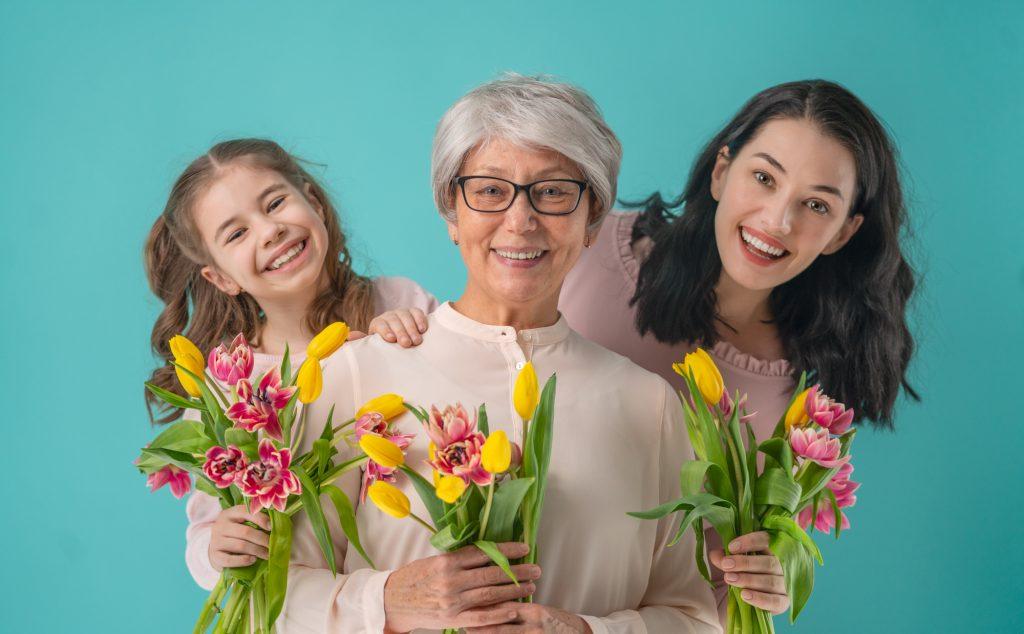 祖母もドレスでお祝い!心も足取りも軽やかになる選び方のコツ