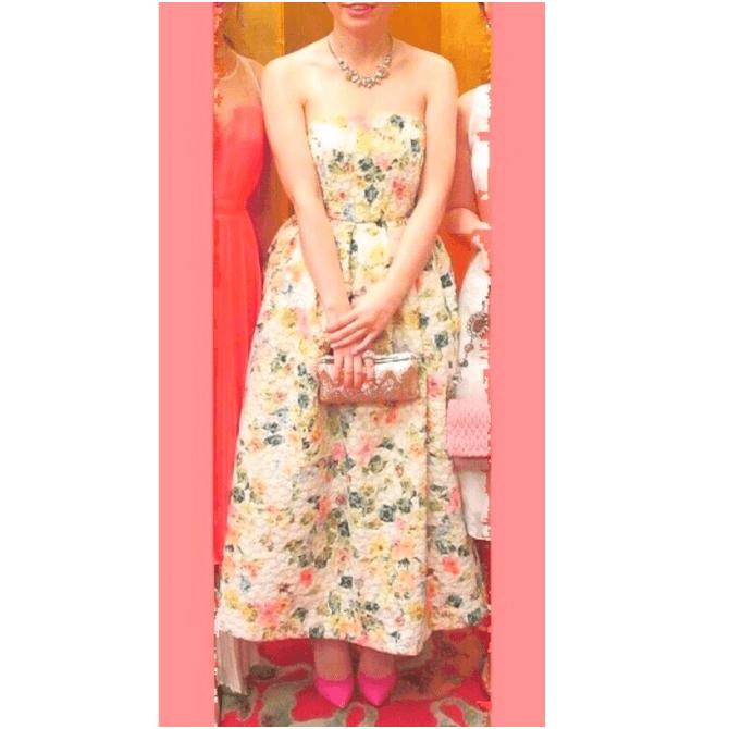 花柄×ピンクパンプス