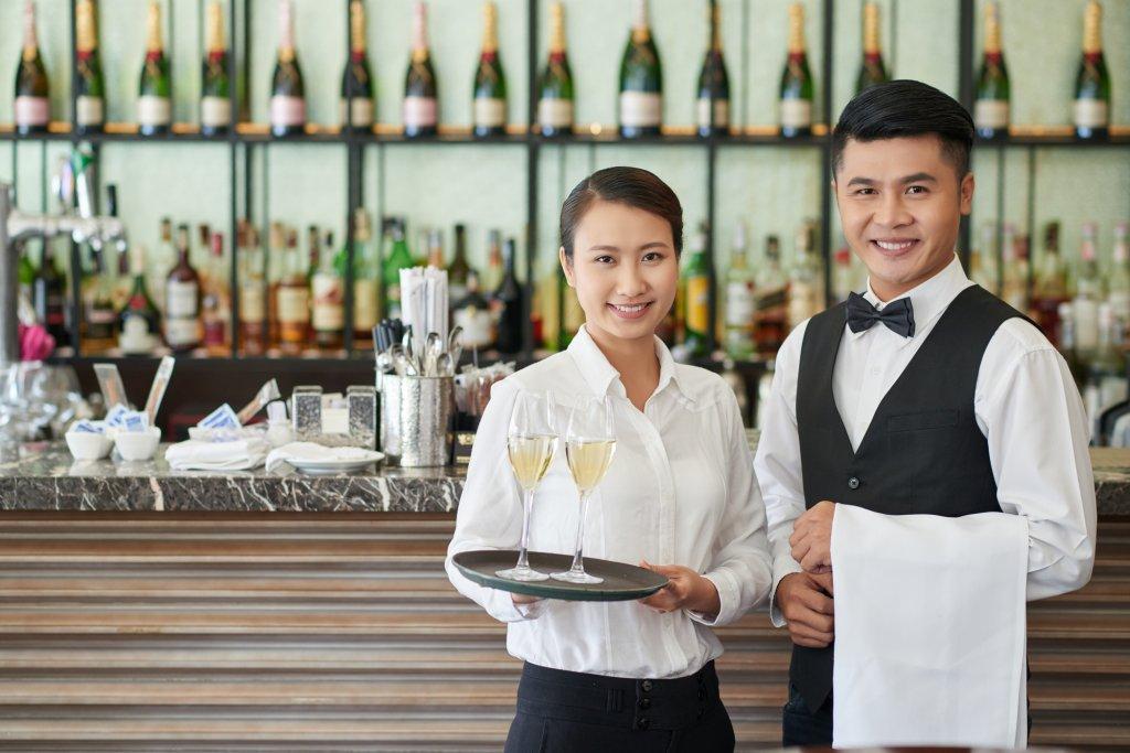 高級レストランやホテルディナー