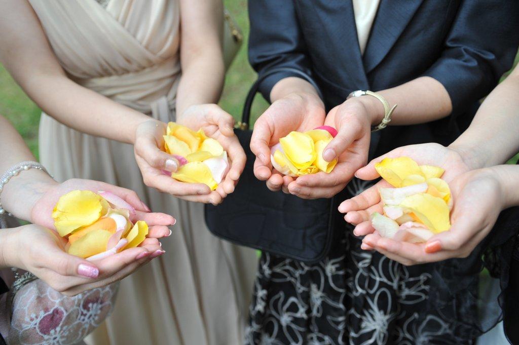 結婚式でボレロ・ジャケットを着るなら何に気を付ける?
