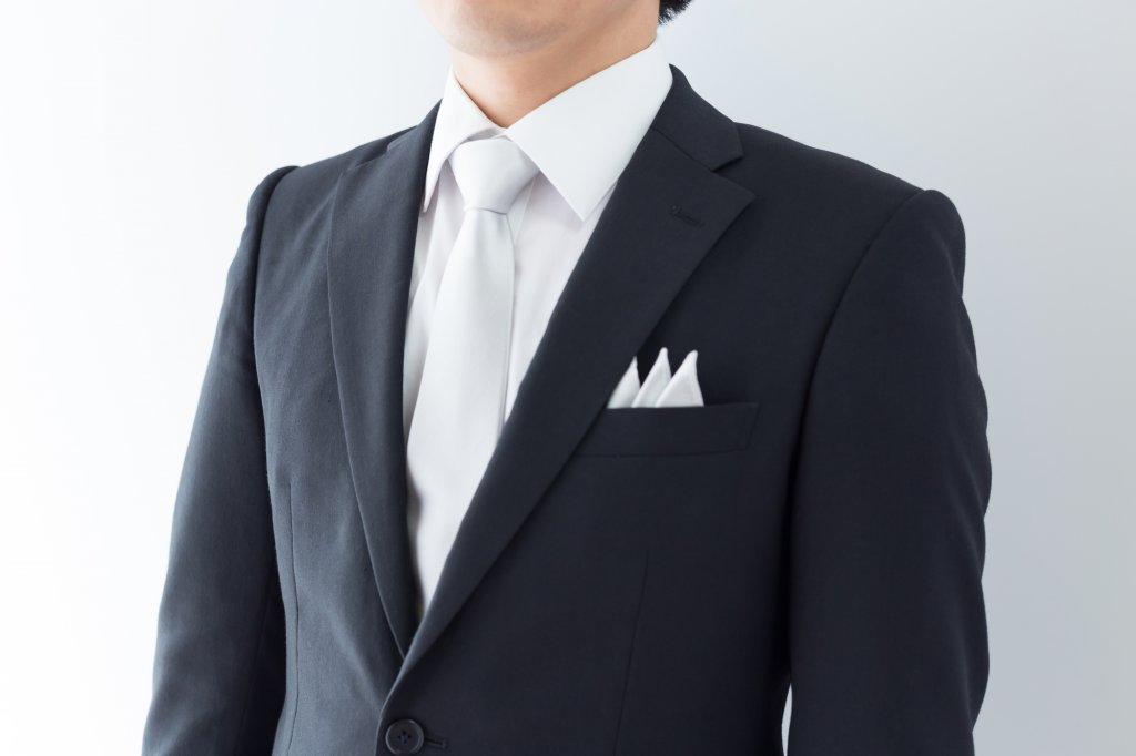 結婚式での男性の服装例