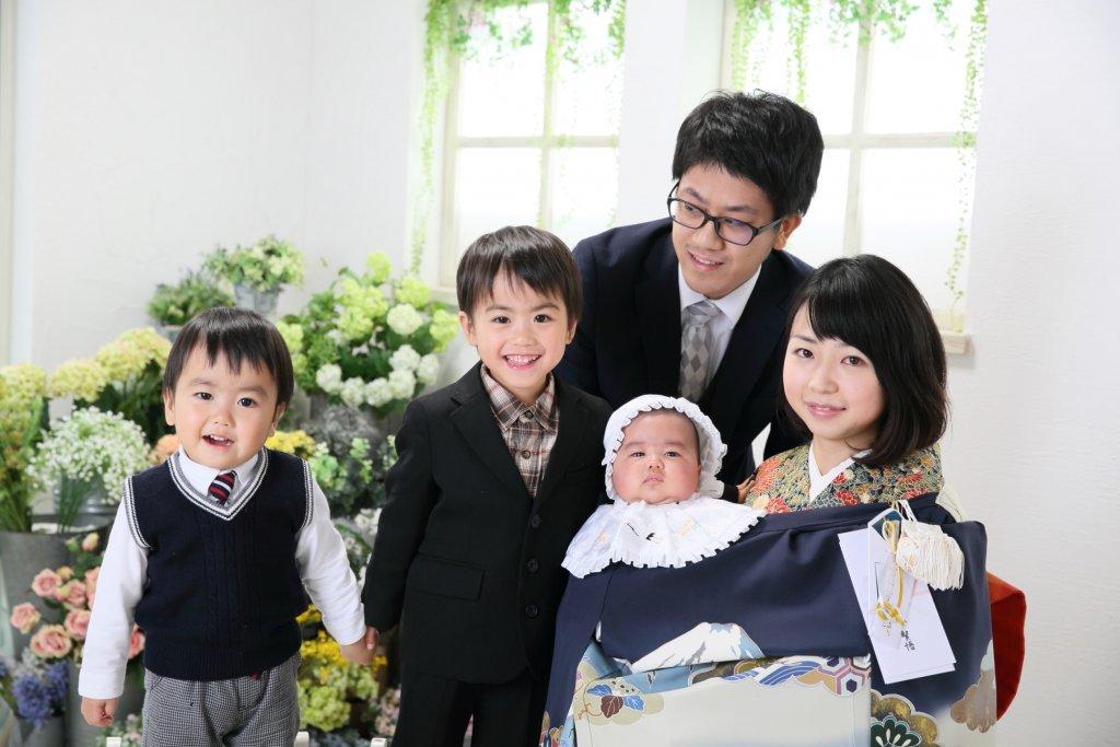 子供の服装 家族写真