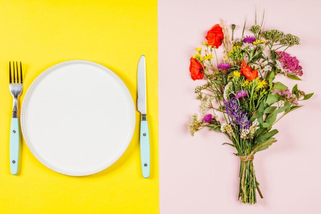 お花とお皿