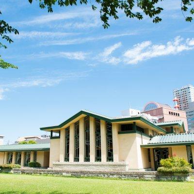 【自由学園明日館の結婚式お呼ばれ】建築・デザイン好きにはたまらない!レトロモダンな文化財