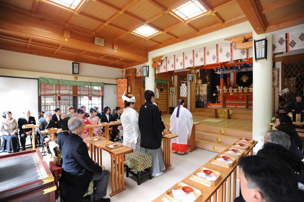 阿比太神社での挙式