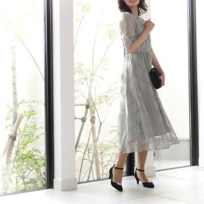 春(3月・4月・5月)結婚式で人気の服装|季節感あるお手本コーデ