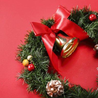 クリスマスパーティーにおすすめの服装【ドレスアップコーデ16選】